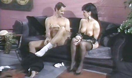 Slatka Azijka snima kameru i jebe se na kastingu henatai porno s producentom