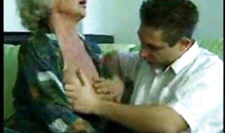 Zreli šupak u odijelu gurnuo je ainime porno kurac plavuši