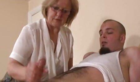 Dvoje pilića želi svijetli orgazam od hentay porn movies dildoa