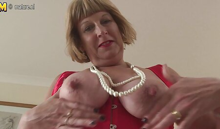 Prsata Busty Brooks jebe ćelavog producenta henati porno