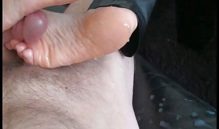 Tip je imao sreće, jer je jebao porno manga monster dvije šarmantne kučke