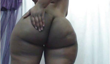 Seksi dušica s hentay movies velikim sisama natečenim prstima