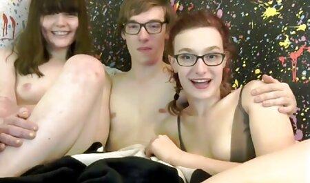Plavuša, analna kurva, hentsi porno želi osjetiti penis u guzici