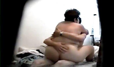 Crvenokosa ljepotica pozira za svog hentai porno hot dečka