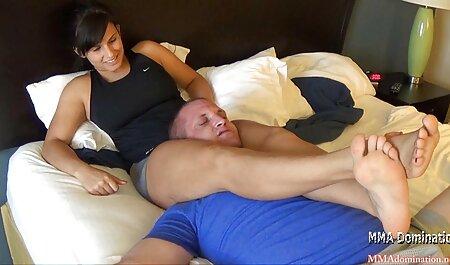 Slatki crnac lizao je ainime porno plavušu plavušu i sjebao je u pukotinu.