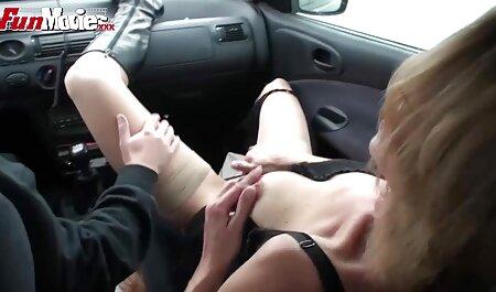 Mladu djevojčicu jebu dva vruća mužjaka sex porno hentai
