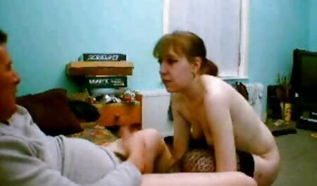 Tinejdžerka snima snimak na one piece nami porno kameru