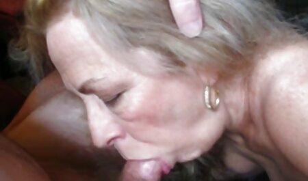 Boginja seksa pokazuje tvrdo hentei 3d porno jebo