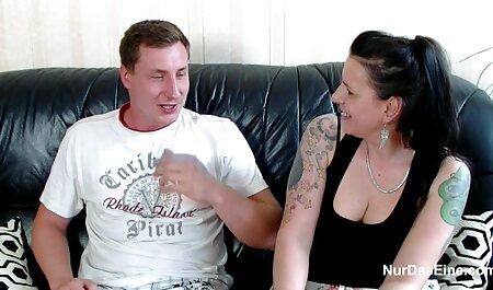 Čovjek je film 3d hentai zavezao plavušu i lizao joj pičku