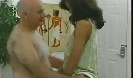 Brineta podučava trikove seksualnog mladog hentai xxx film pastuha