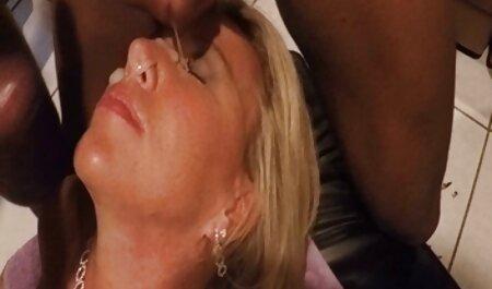 Plavokosa tajnica miluje svoju henthai porno pičku vibratorom