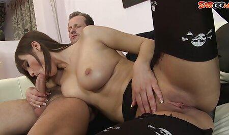 Jako želi vidjeti svoju ženu za vrijeme izdaje, brki seljak unajmljuje mladog crnca za ovu intimnu aferu i uzbuđeno razmišlja kako vrući muškarac snažno prži svoju one pice porno ukusnu ženu
