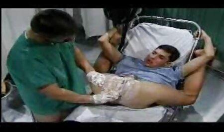 Prilično azijska djevojka henati porno u čarapama jebe svog partnera