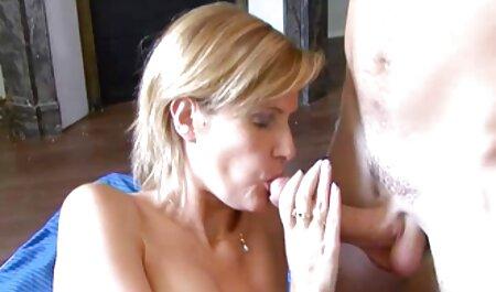 Tetovirana plavuša sjebala se s momkom u henthai porno svojoj sobi