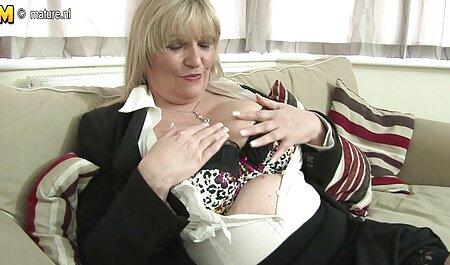Vruća djevojka brutalno skače na kurac hentay movies
