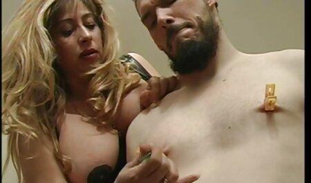 Vrući samuraj jebe mladu seksi azijsku u henati film kameri