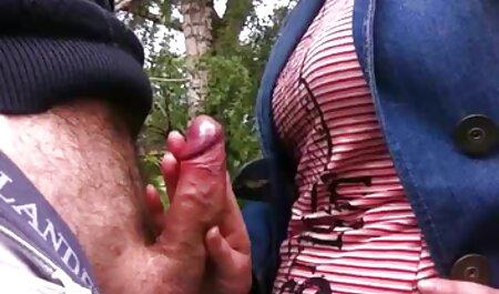 Djevojka filme hentay se zajebava u dupe odozdo