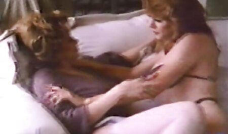 Anya obožava sudjelovati u orgijama. porno hentei