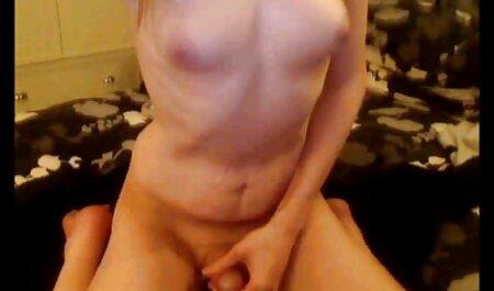 Prsata ljepotica uživa u cunnilingusu i uzima spermu hentai xxx streaming na pubis