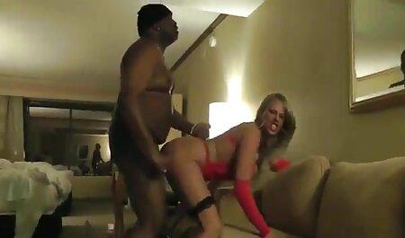 Napuhana hantai films ebanovina jebe seksi prsate azijke u crnim čarapama