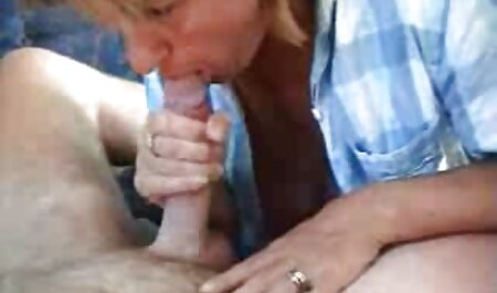 Plumpna hermafrodita jebe joj maca hentai full film dildo i kurac prstom