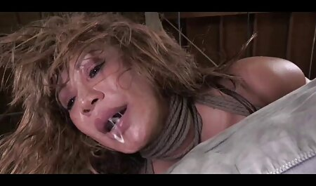 Plavokosa Trisha s velikim sisama filme hentay miluje svoju macu