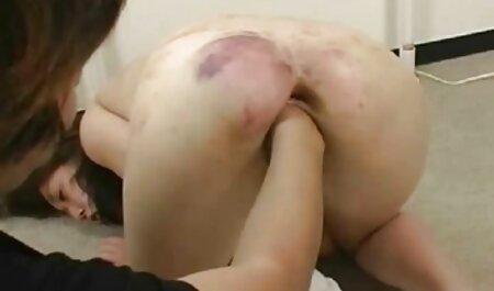 Zrela brineta pozvala hentei 3d porno je bivšeg ljubavnika na seks