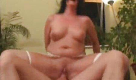 Monica je obukla čarape hentai xxx streaming i bacila se na kurac